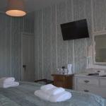 Room 7 - Triple