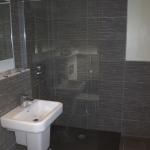 Room 9 - Ensuite Bathroom